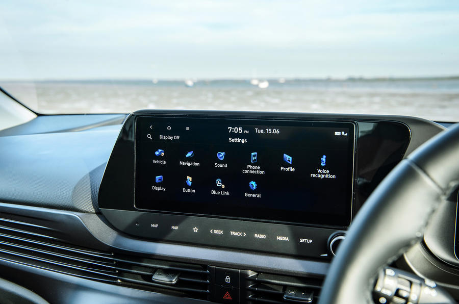 14 Infotainment Hyundai Bayon 2021 UE FD