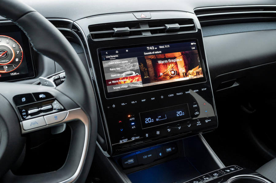Hyundai Tucson 2020 UK first drive review - centre console