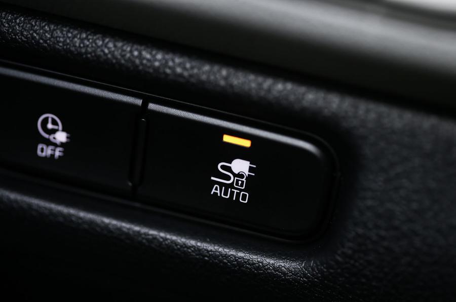 Kia Niro EV 2019 first drive review charging indicator