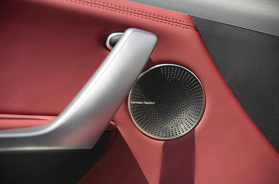 Kia Stinger 2.2 CRDi 2018 UK review door speakers