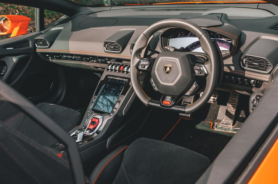 Lamborghini Huracán Spyder 2020 UK first drive review - dashboard