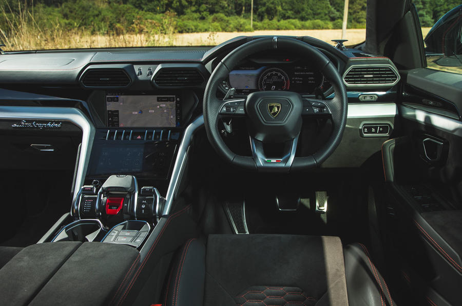 Lamborghini Urus 2018 UK first drive review dashboard
