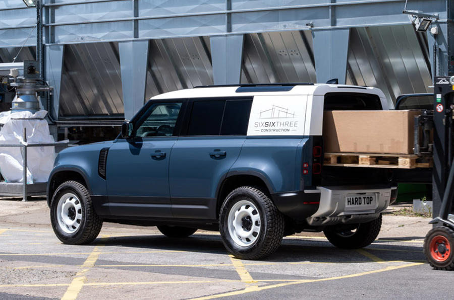 Land Rover Defender Hard Top - static front