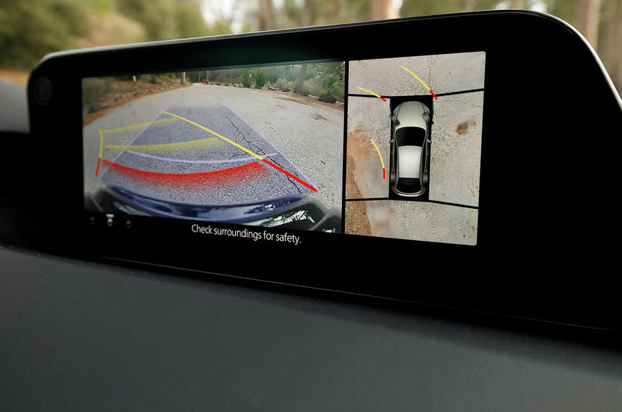 Mazda 3 2.0 Skyactiv-G 2019 first drive review - reversing camera