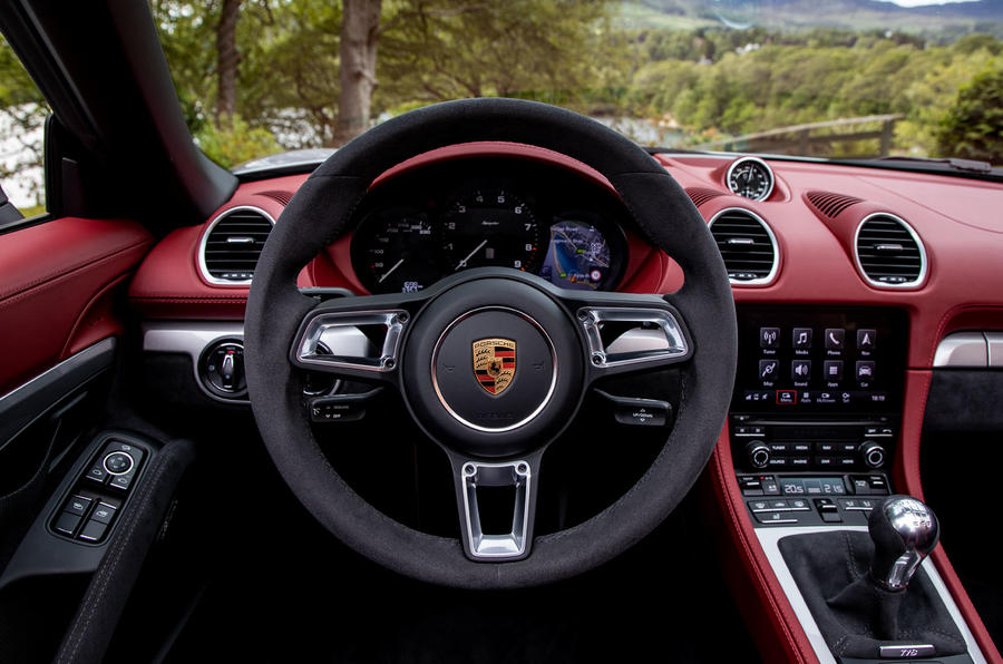 Porsche 718 Boxster Spyder 2019 first drive review - dashboard