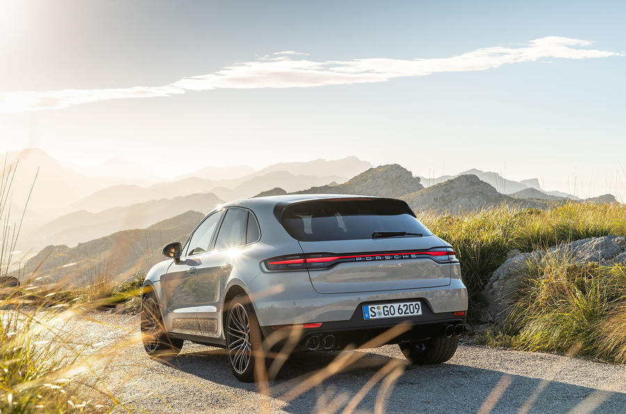 Porsche Macan S 2019 first drive review - on the road rear
