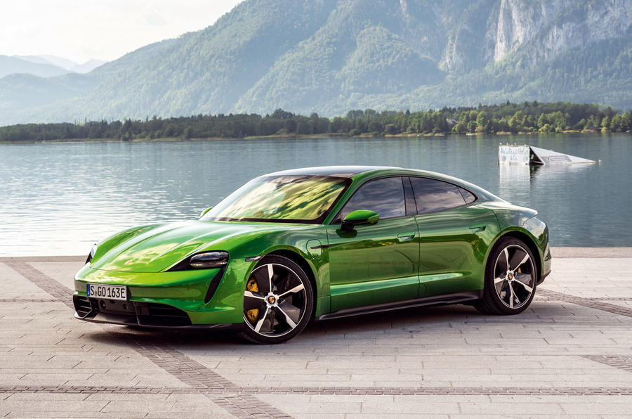 2019 - [Porsche] Taycan [J1] - Page 15 14-porsche-taycan-turbo-s-2020-fd-static-front
