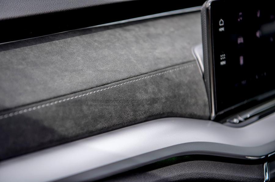 Skoda Octavia hatchback 2020 UK first drive review - dashboard trim