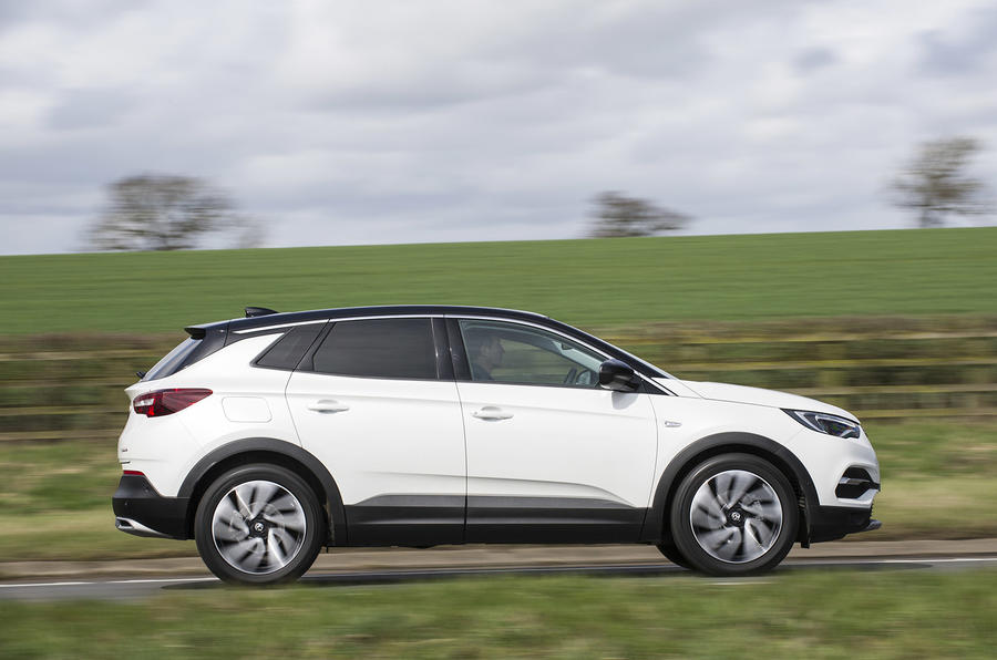 Vauxhall Grandland X Ultimate 2018 UK review on the road right
