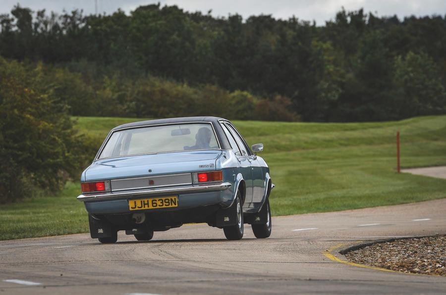 Vauxhall Victor - rear