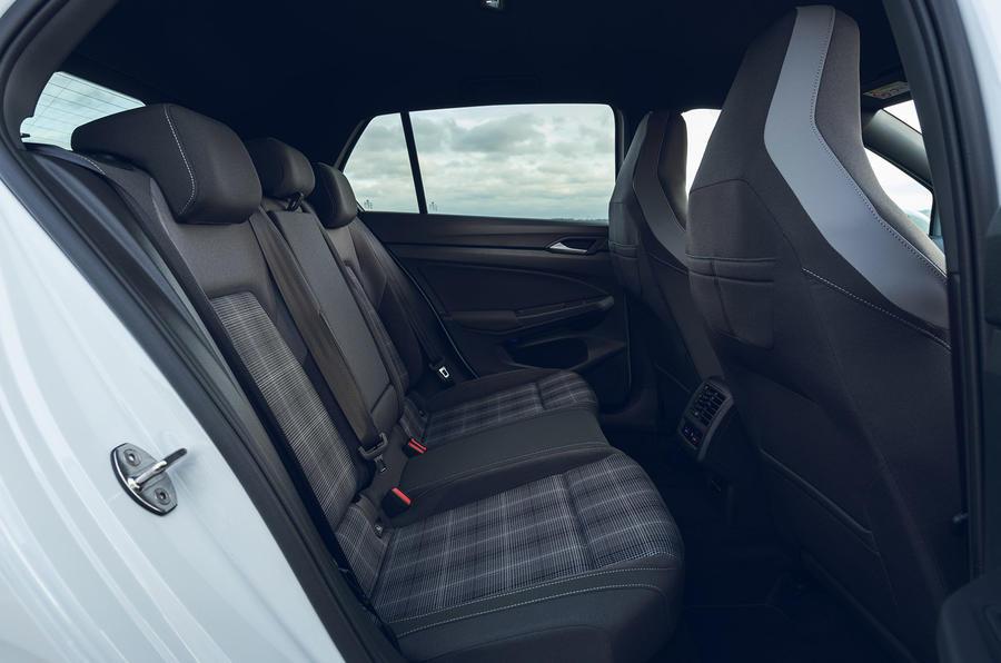 14 Volkswagen Golf GTD 2021 : premier examen de conduite des sièges arrière au Royaume-Uni