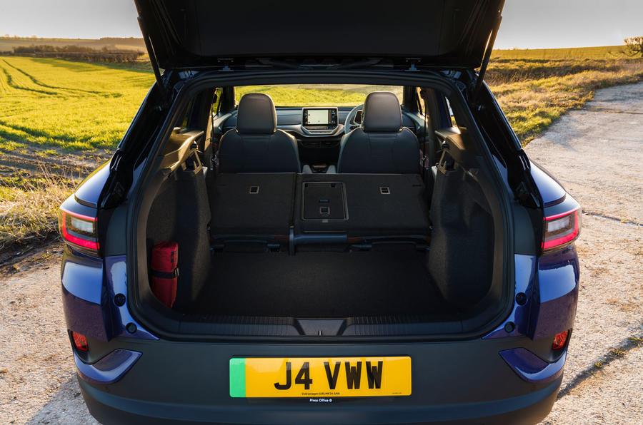 14 Volkswagen ID 4 2021 UE : essai routier du coffre.