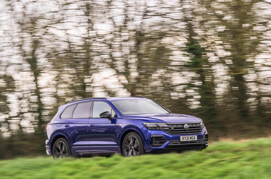 14 Volkswagen Touareg R eHybrid 2021 UE : essai sur route avant.