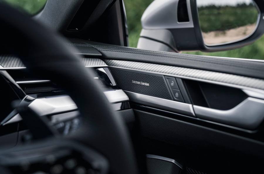 14 VW arteon R Shooting Brake 2021 UE FD haut-parleurs