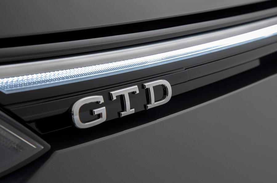 Volkswagen Golf GTI 2020 - rear badge