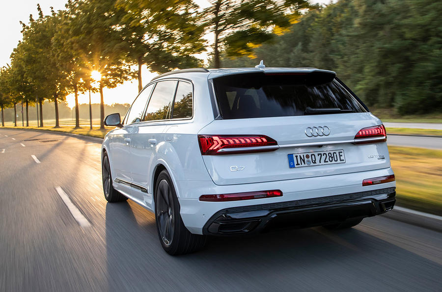 Audi Q7 TFSI e 2019 first drive review - on the road rear