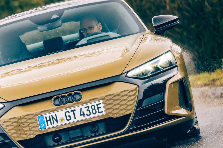 15 Audi RS E tron GT 2021 LHD premier examen de conduite MP conduite