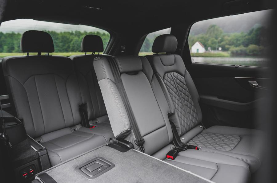 Audi SQ7 2020 : premier bilan de conduite - sièges arrière