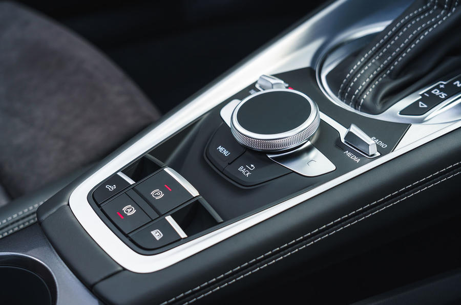 Audi TT Roadster 2019 UK first drive review - centre console
