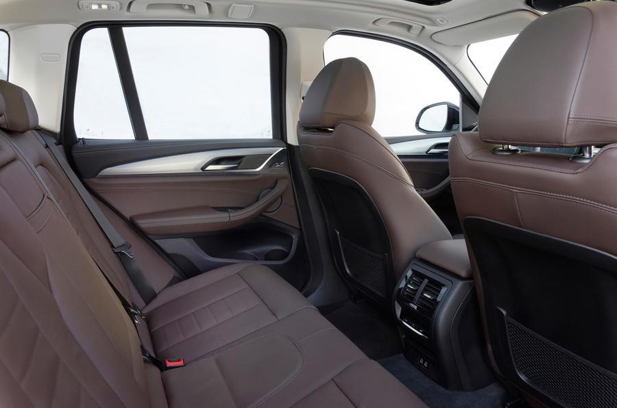 BMW iX3 2020 : premier bilan de conduite - sièges arrière