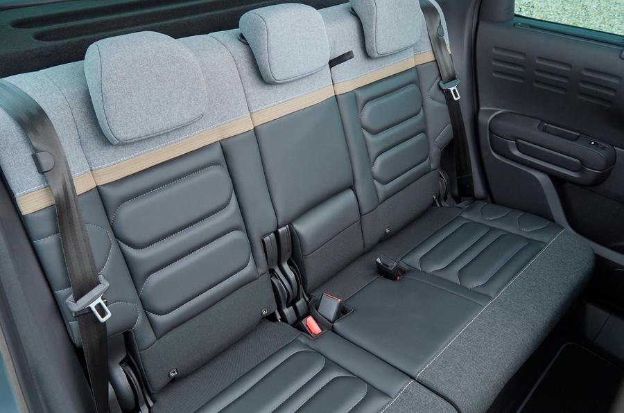 15 Citroen C3 Aircross 2021 UE FD sièges arrière