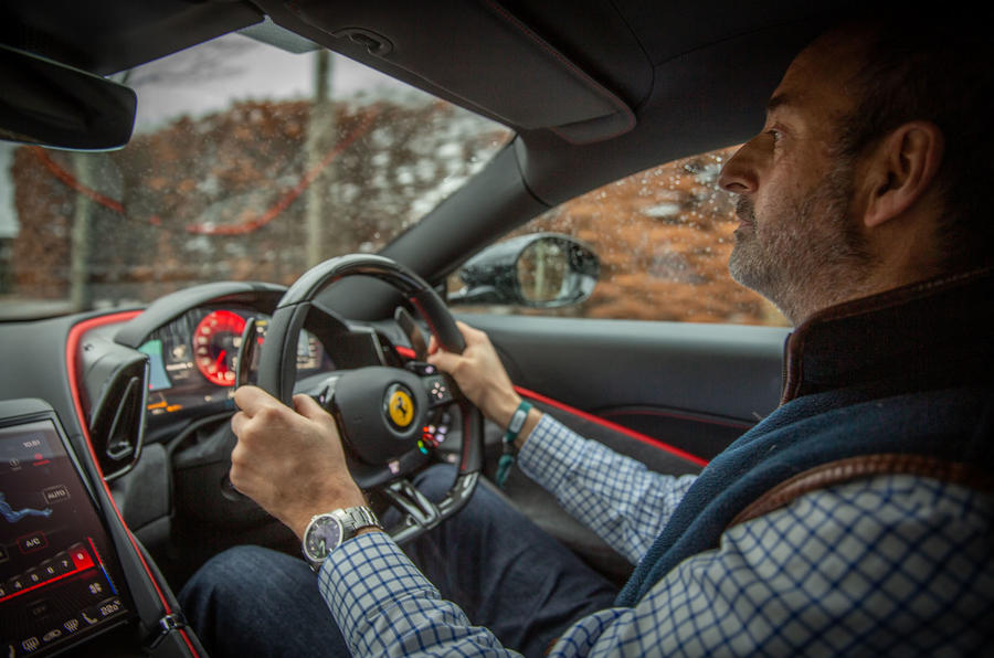 Ferrari Roma 2021 : premier examen de conduite au Royaume-Uni - Andrew Frankel au volant