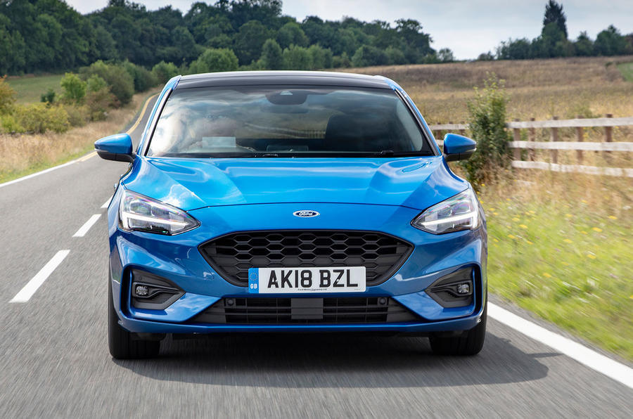 Ford Focus ST-Line 182PS 2018 UK first drive review - on the road nose