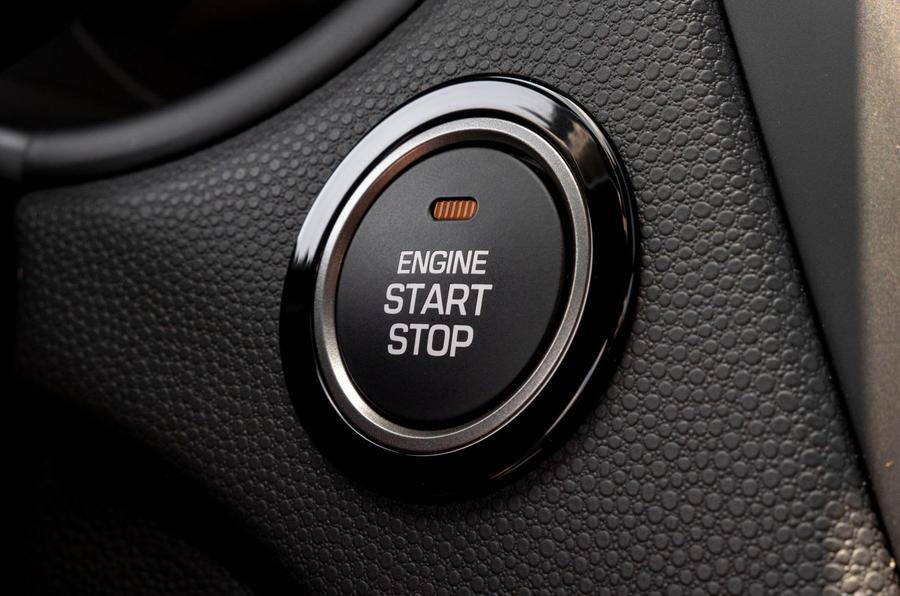 Hyundai i20 2018 review start button