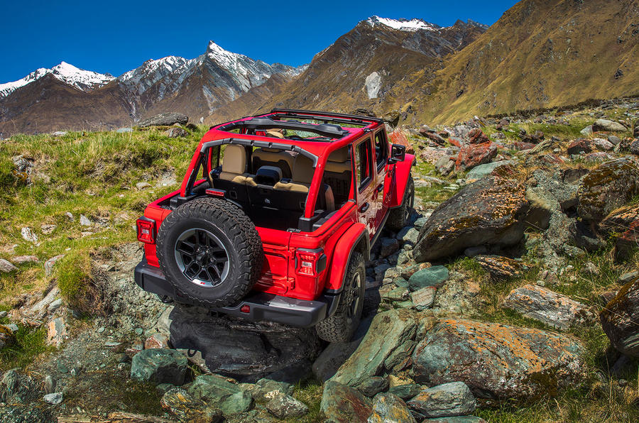 Jeep Wrangler (JL) Unlimited Rubicon 2018 review offroad rear