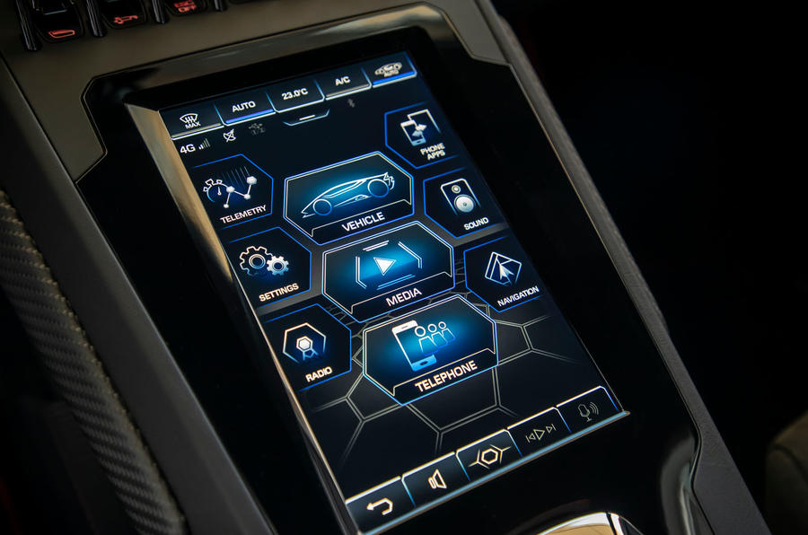 Lamborghini Huracan Evo 2019 first drive review - infotainment