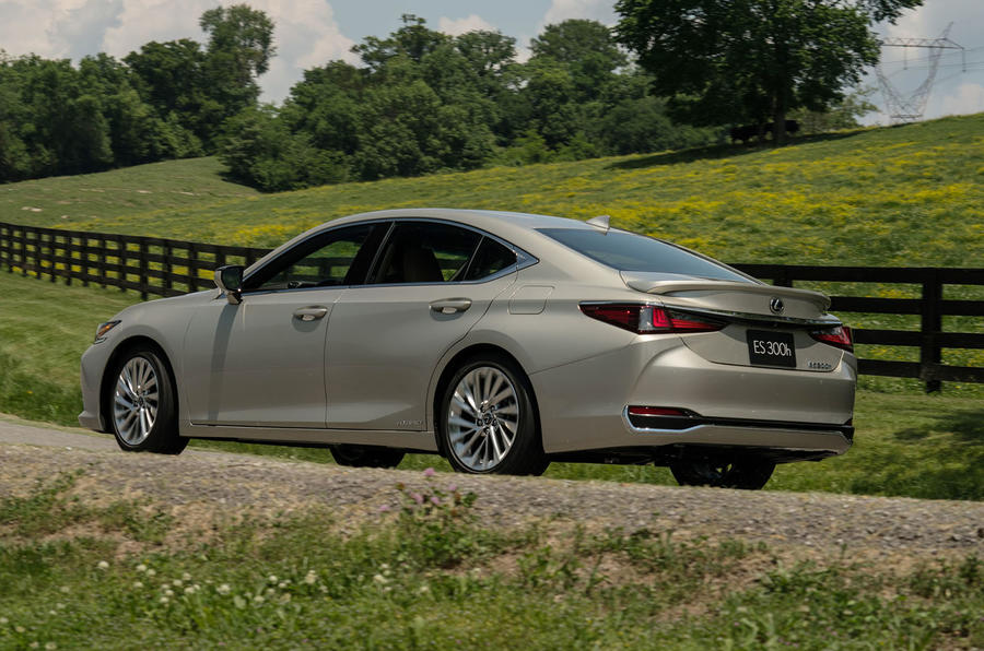 Lexus ES 300h 2018 review on the road side rear