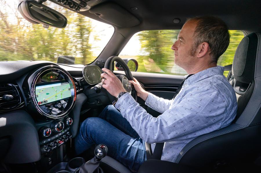 15 Mini Cooper S 2021 UE FD JD conduite