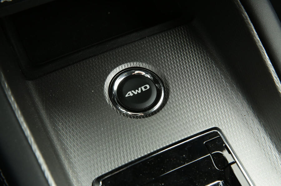 Mitsubishi ASX 2019 first drive review - start button