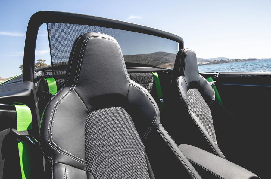 Porsche 911 Cabriolet 2019 first drive review - wind deflector