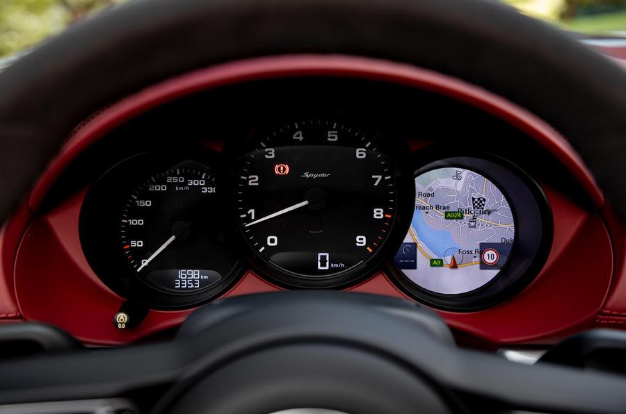 Porsche 718 Boxster Spyder 2019 first drive review - instruments