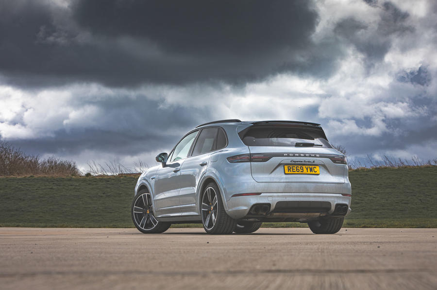 Porsche Cayenne Turbo S E-Hybrid 2020 UK first drive review - static rear