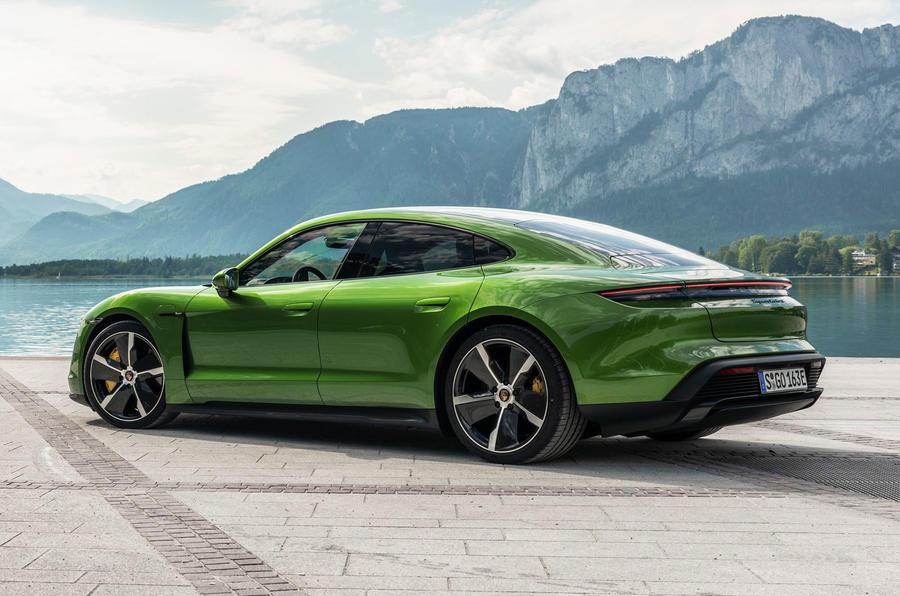 2019 - [Porsche] Taycan [J1] - Page 15 15-porsche-taycan-turbo-s-2020-fd-static-rear