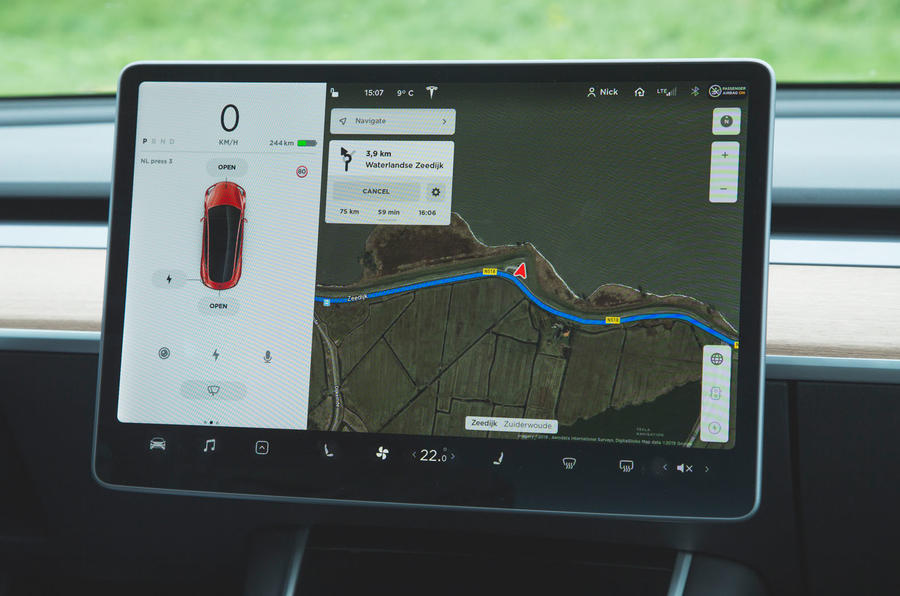 Tesla Model 3 Performance 2019 first drive review - infotainment