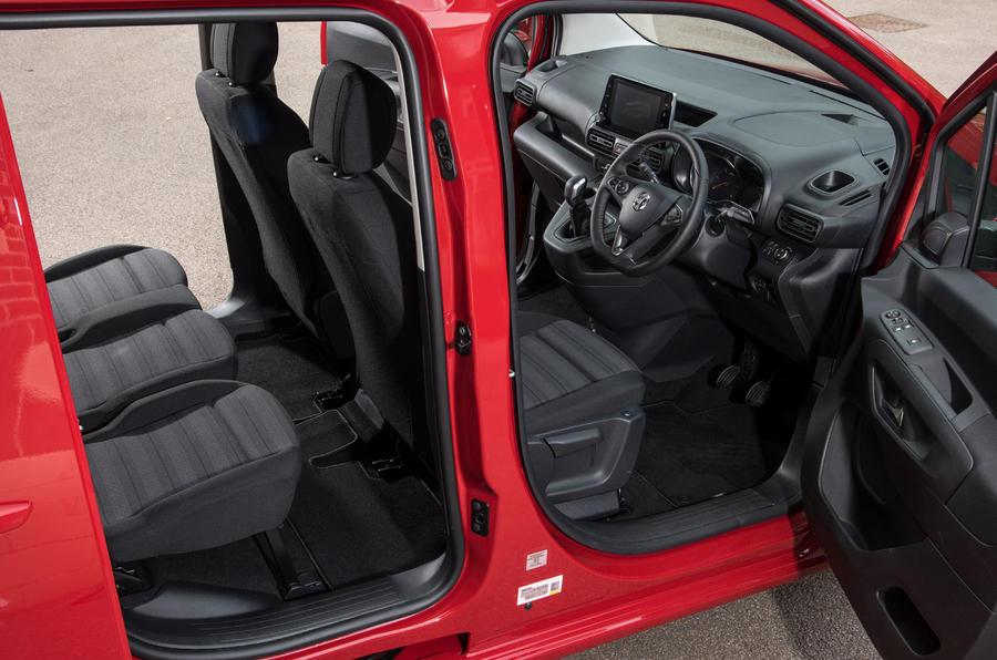 Vauxhall Combo Life 2018 UK first drive review door space