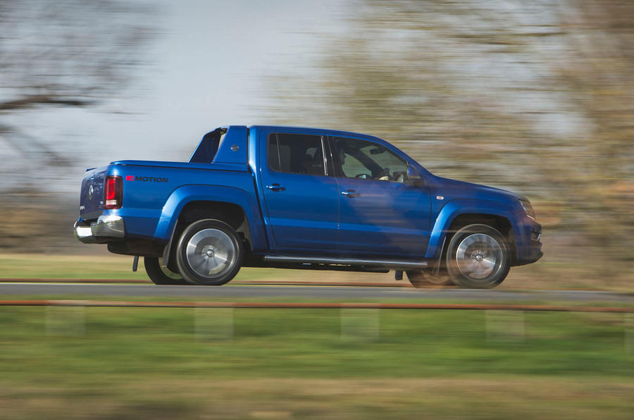 Volkswagen Amarok Aventura 2019 first drive review - on the road side