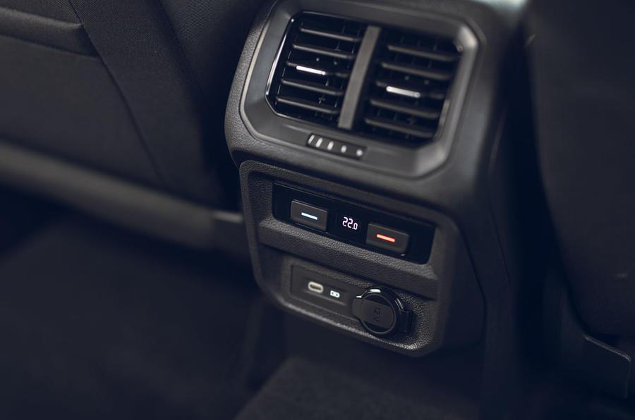 Volkswagen Tiguan Life 2020 : premier bilan de conduite au Royaume-Uni - climatisation à l'arrière
