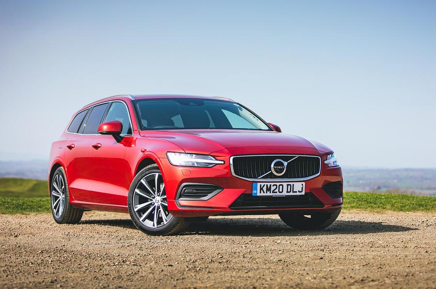 15 Volvo V60 B3 Momentum 2021 UE : essai routier statique