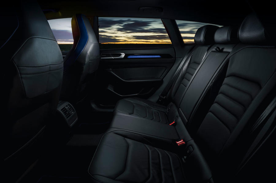 15 VW arteon R Shooting Brake 2021 UE FD sièges arrière