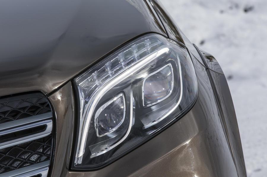 Mercedes-Benz GLS 350 LED headlights