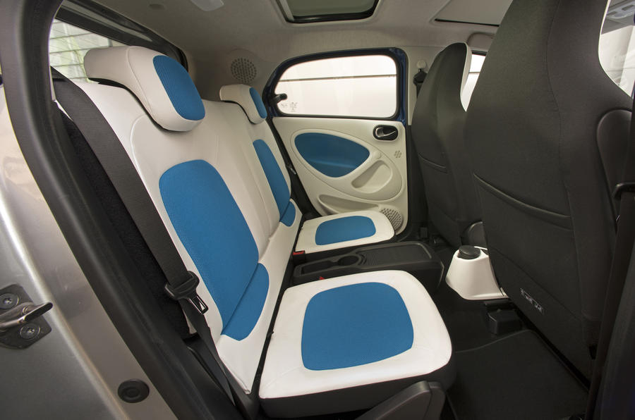 Smart Forfour rear seats
