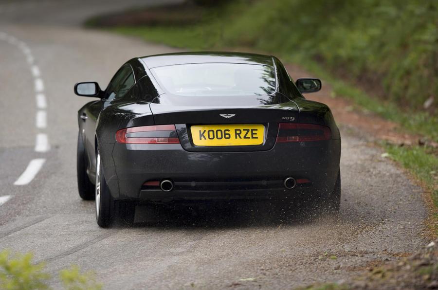 Aston Martin DB9 - rear