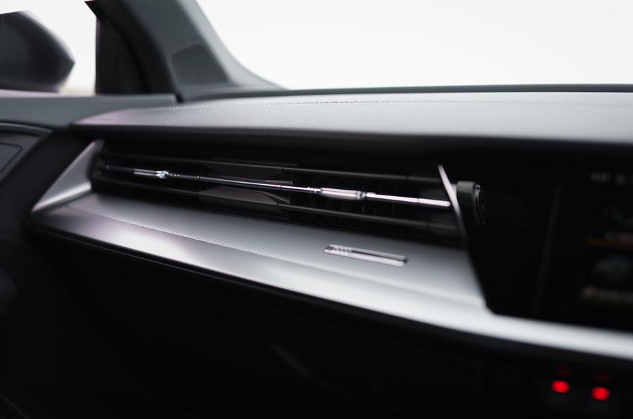 Audi A3 Sportback 2020 : premier examen de conduite au Royaume-Uni - tableau de bord