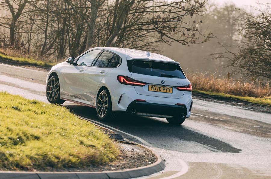 16 BMW 1 Série 128ti 2021 : premier examen de conduite sur l'arrière de la route au Royaume-Uni
