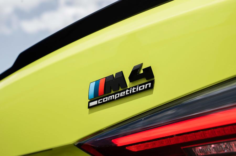 BMW M4 - logo