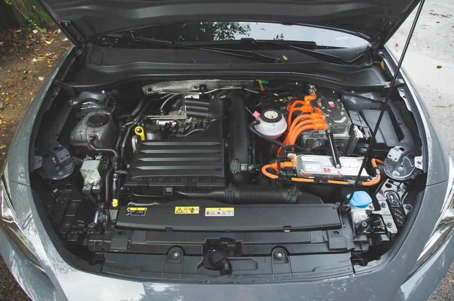 Cupra Leon 2020 LHD : premier bilan de la conduite au Royaume-Uni - moteur